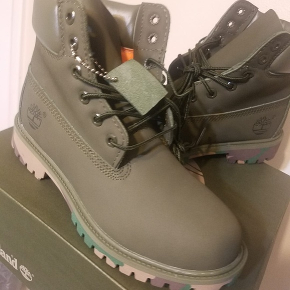 1ad22b37a58 Green Timberland boots size 8 w NWT